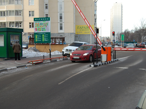 1-й Хорошевский проезд, местный житель показал мэру установленные