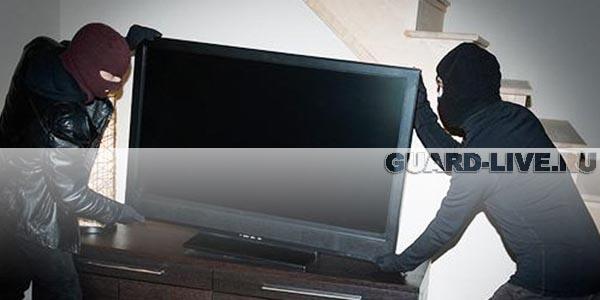 Из красноярской краевой больницы бывшие строители пытались вынести телевизор