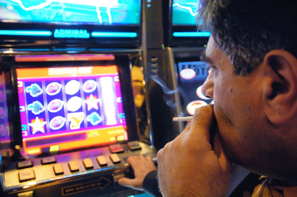 Игровые автоматы в современной россии в чём подвох заработка в казино